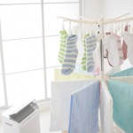 洗濯物の部屋干しの臭いの原因は?部屋干しのコツや干す場所