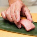 お寿司は手と箸とどちらで食べるのが旨い?マナー的にはどうよ?