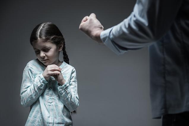 子連れ再婚,児童虐待